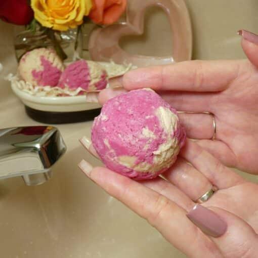 Strawberry Puff Bubble Scoops for Bath/ Bubble Bath by PI Colors